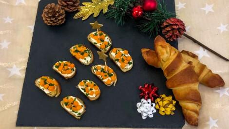Les croissants crème fraiche, mimolette et ciboulette